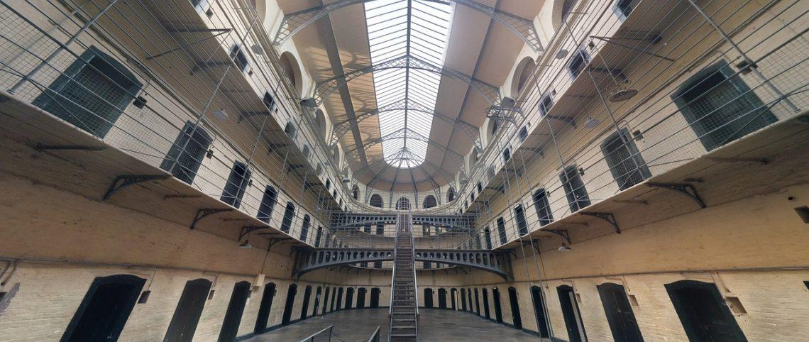 Gevangenis, binnenkant