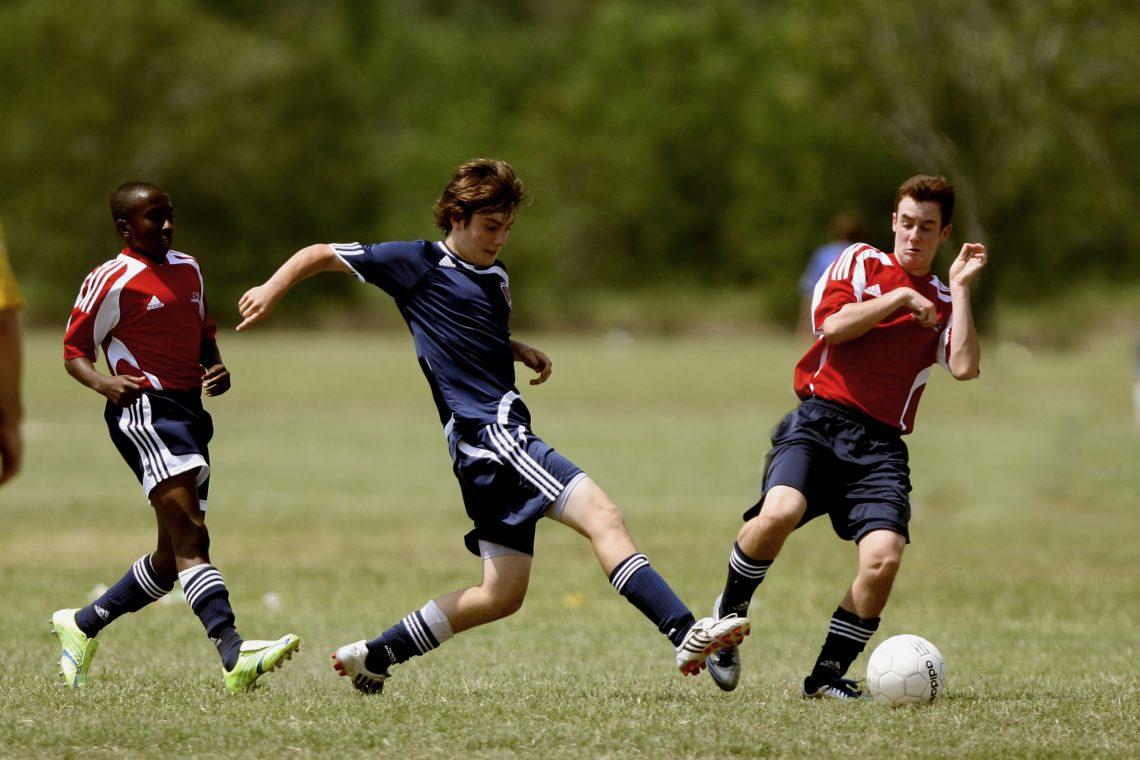 Voetbal sliding overtreding